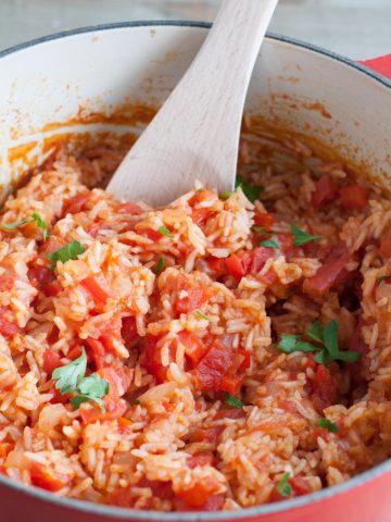 Tomato rice in a pot.