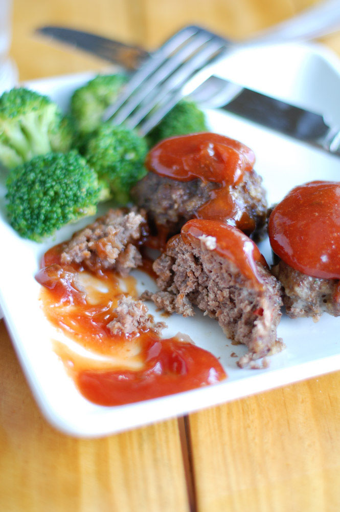 Meatballs on a plate with broccoli