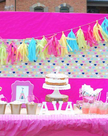 Dessert bar decorated in pink.