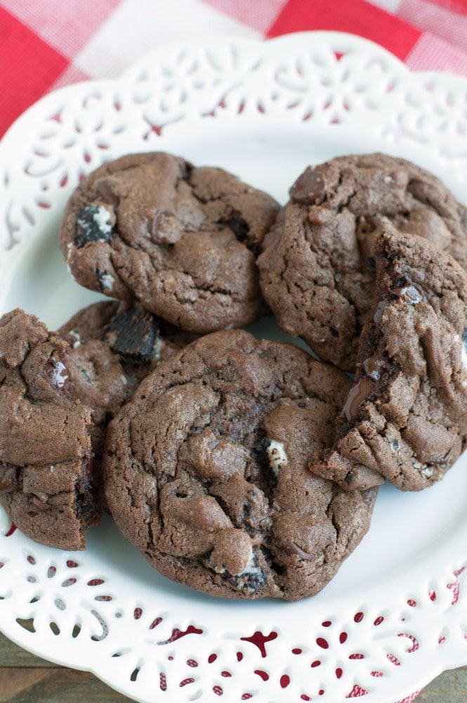 Chocolate Chip Oreo Cookies - Food Lovin Family