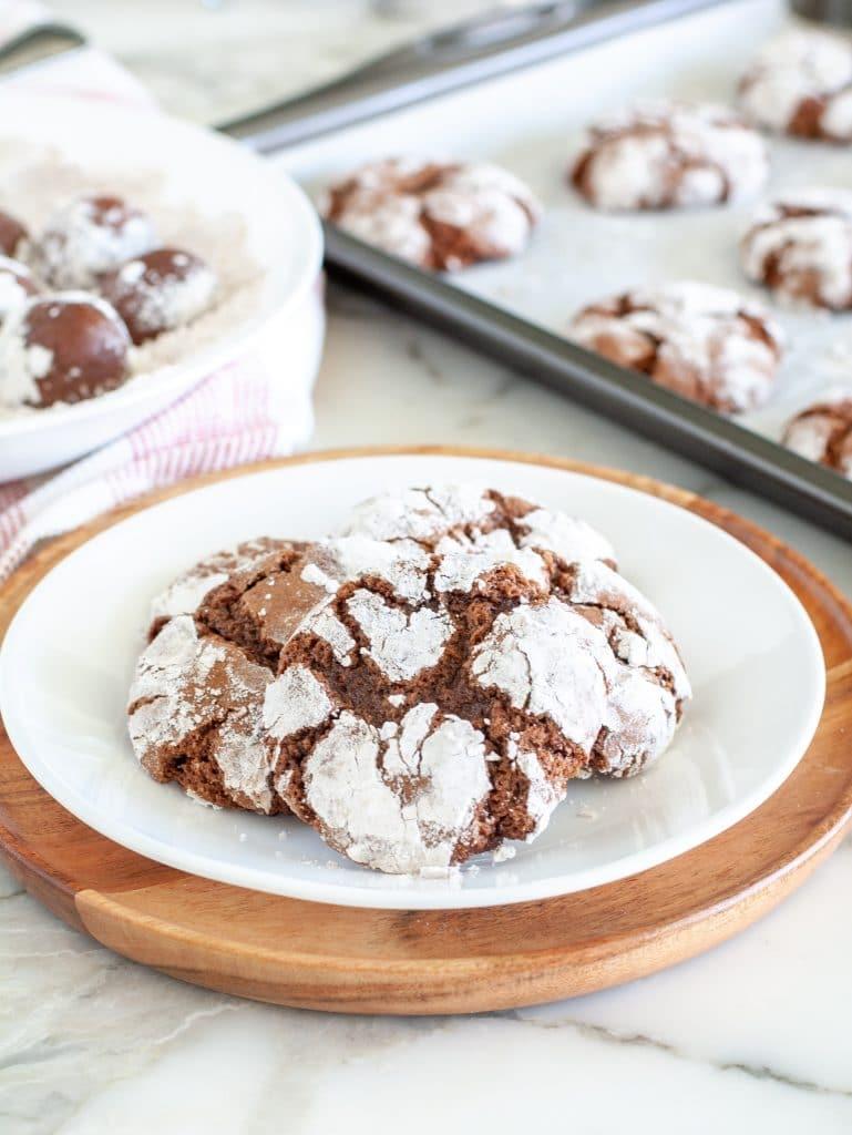 Crinkle cookies on a plate
