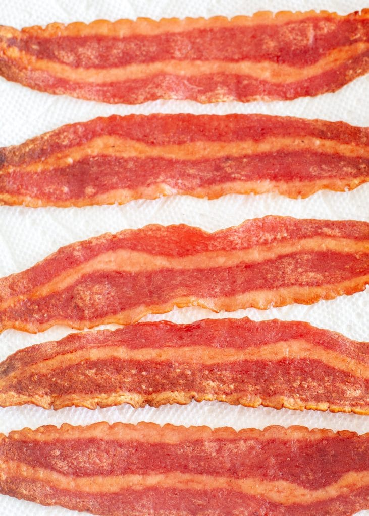 Cooked turkey bacon.